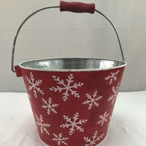 Other - Red metal textured Christmas snowflake bucket